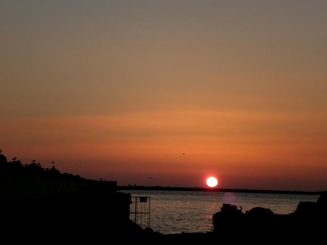 釧路西港からの夕日・・・