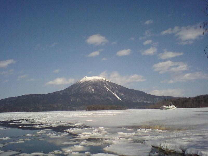 早春の阿寒湖
